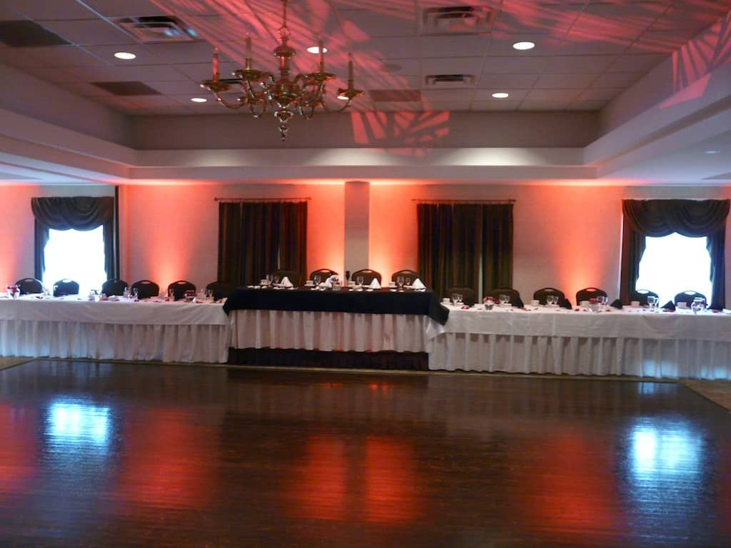 Head Table Uplit